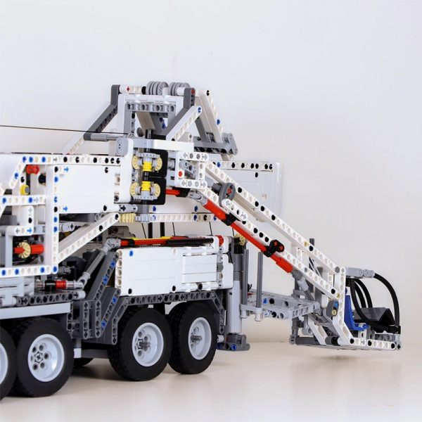 MOC 20920 Super Vehicle Technic RC Liebherr LTM11200 designer Jeroen Ottens 7 - MOC FACTORY