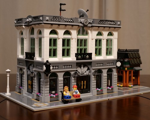 moc 10811 brick bank with coffee shop block set moc factory 4 - MOC FACTORY